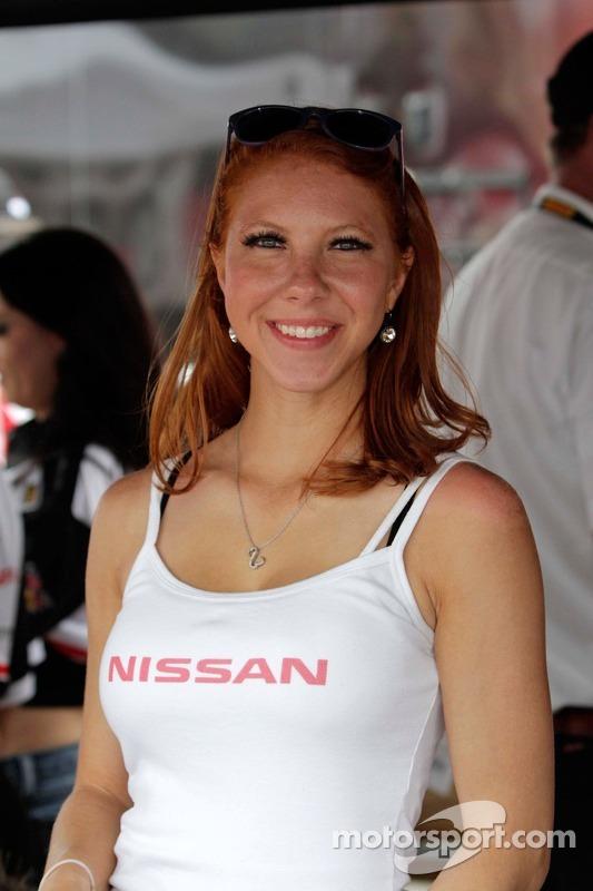 Nissan bandaeirinha