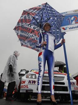 Grid girl of Yvan Muller, RML Chevrolet Cruze 1.6 T