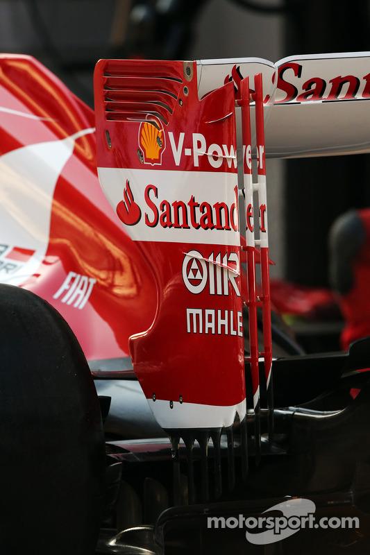 Ferrari F138 asa traseira