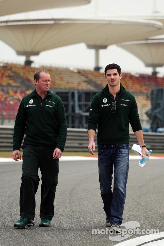 Alexander Rossi, reserva da Caterham F1, anda no circuito
