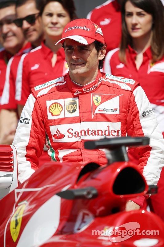 Pedro De La Rosa, Ferrari piloto de desenvolvimento em um foto da equipe
