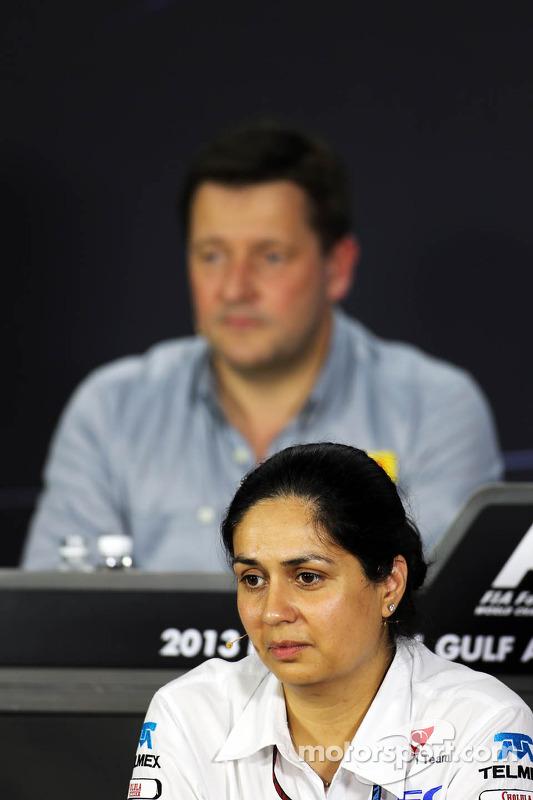 Monisha Kaltenborn, chefe da equipe Sauber na coletiva da FIA