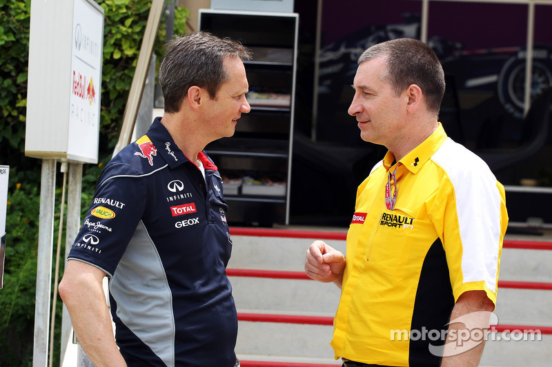 (L naar R): Paul Monaghan, Red Bull Racing Chief Engineer met Rob White, Renault Sport Deputy Managing Director