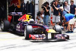 Sebastian Vettel, Red Bull Racing RB9 leaves the pits