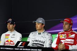 Conferencia de prensa pos calificación: Fernando Alonso, Ferrari tercero; Ganador de la pole position Nico Rosberg, Mercedes AMG F1 y Sebastian Vettel, Red Bull Racing, segundo