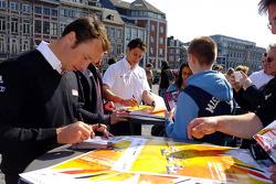 Patrick Pilet signs autographs