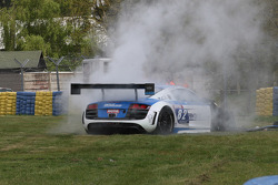 Crash for #82 Team Saintéloc Racing BR Performance Audi R8 LMS Ultra: Jean-Marc Quintois, Mathieu Jaminet