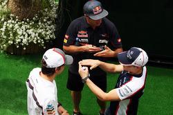 (L to R): Esteban Gutierrez, Sauber with Daniel Ricciardo, Scuderia Toro Rosso and Valtteri Bottas, Williams