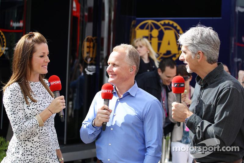 (L naar R): Natalie Pinkham, Sky Sports-presentator met Johnny Herbert, Sky Sports-presentator en Damon Hill, Sky Sports-presentator