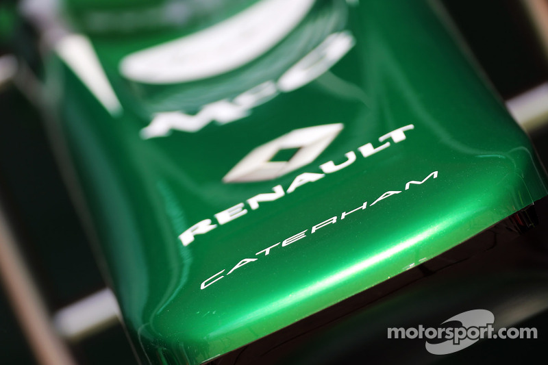 Caterham CT03 neus
