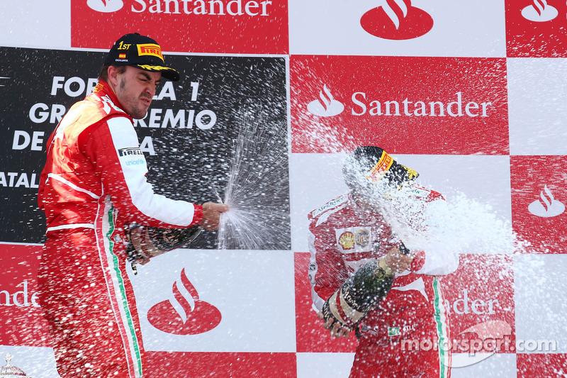1e plaats Fernando Alonso, Ferrari F138, de 3e plaats voor Felipe Massa, Ferrari F138