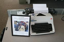 Memorial to writer Chris Economaki