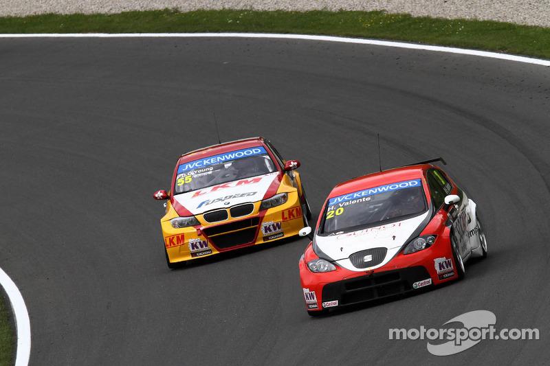 Darryl O'Young, BMW E90 320 TC, ROAL Motorsport  en Hugo Valente, SEAT Leon WTCC, Campos Racing