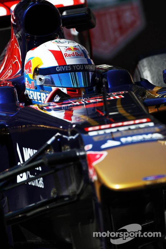 Jean-Eric Vergne, Scuderia Toro Rosso STR8 com um capacete em homenagem ao Francois Cevert