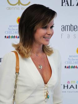 Amanda Holden, no Salão Amber Fashion Show