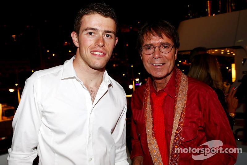 (L naar R): Paul di Resta, Sahara Force India F1 met Sir Cliff Richard, Popster bij de Signature F1 Monaco Party