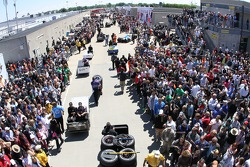 The crowd in gasoline alley