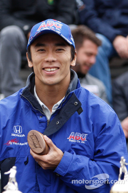 Takuma Sato no briefing de pilotos