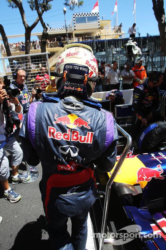 Sebastian Vettel, Red Bull Racing RB9 no grid
