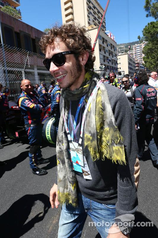Valentino Rossi, piloto da MotoGP, no grid