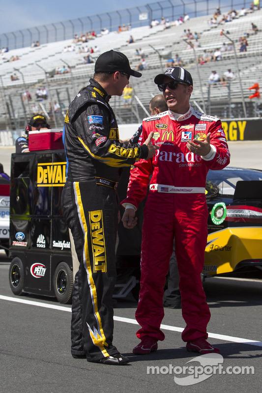 Jamie McMurray, Earnhardt Ganassi Racing Chevrolet en Marcos Ambrose