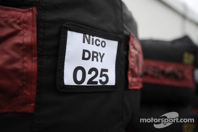 Dry tyre blanket for Nico Rosberg, Mercedes AMG F1