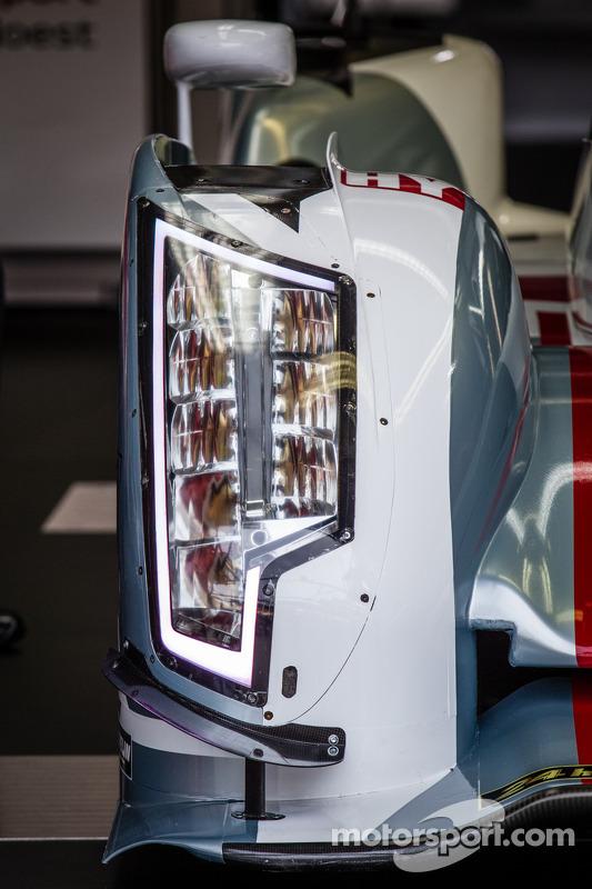#1 Audi Sport Team Joest Audi R18 e-tron quattro: detalhe do farol