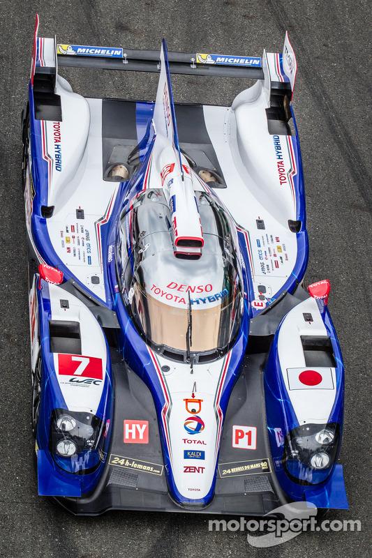 #7 Toyota Racing Toyota TS030 Hybrid em sessão de fotos
