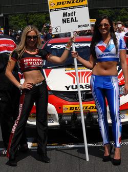 Honda Yuasa Racing/ Valvoline Grid Girls