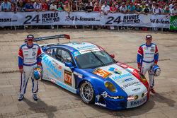 #67 IMSA Performance Matmut Porsche 911 GT3-RSR: Pascal Gibon, Patrice Milesi