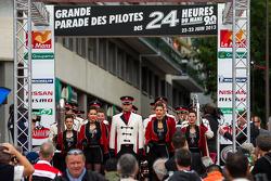 Start of the Grande Parade des Pilotes