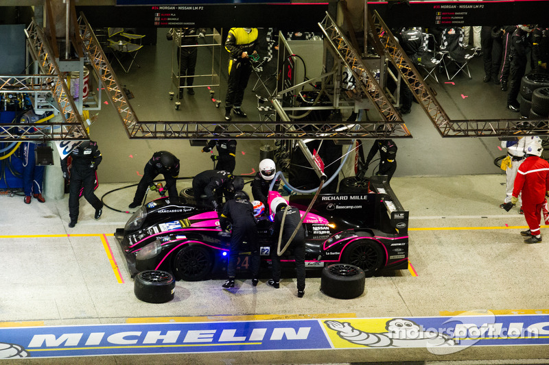 Pit stop for #24 OAK Racing Morgan LMP2 Nissan: Olivier Pla, David Heinemeier Hansson, Alex Brundle
