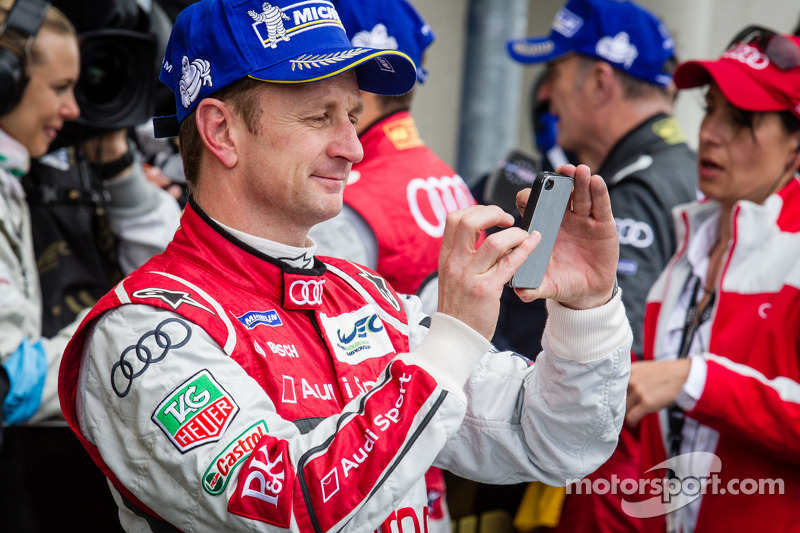 Allan McNish op social media