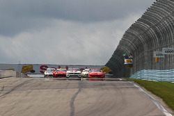 GT Start Sahlen's Six Hours at the Glen