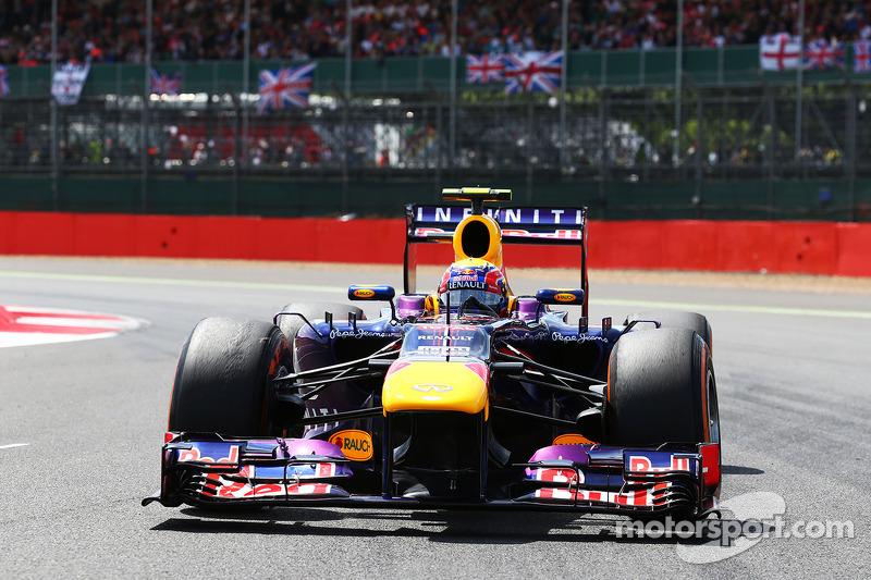Mark Webber Red Bull Racing RB9 en la parrilla