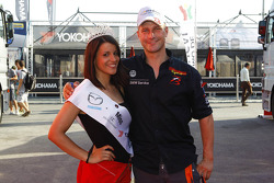 Miss Yokohama and Fredy Barth, BMW E90 320 TC, Wiechers-Sport