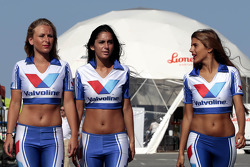 Amazing Valvoline Girls