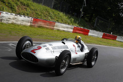 Lewis Hamilton drives a classic Mercedes-Benz around the Nordschleife