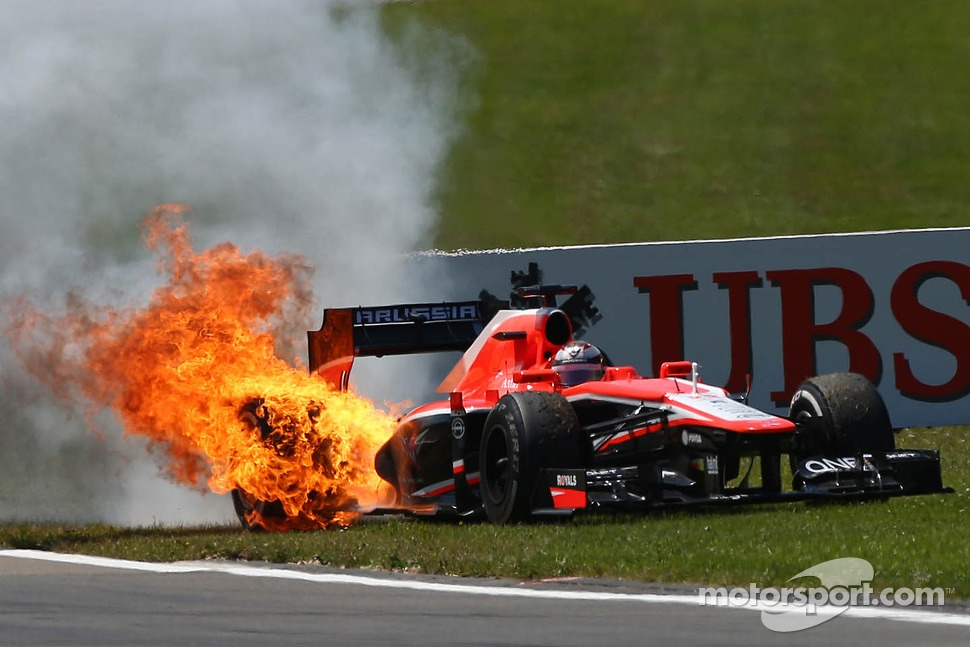 Jules Bianchi, Marussia F1 Team MR02 catches fire after stopping