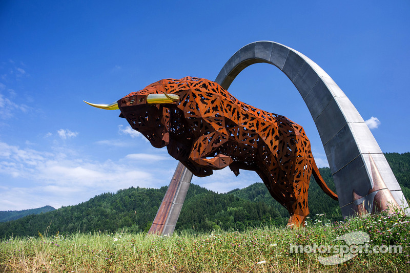 Red Bull Ring estátuas
