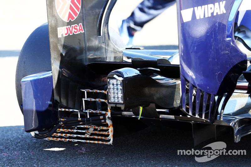 Williams FW35: equipamento sensível na asa traseira
