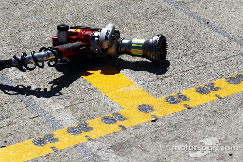 Williams pit stop air guns
