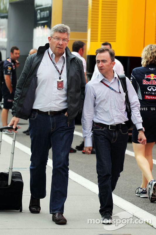 (L to R): Ross Brawn, Mercedes AMG F1 Team Principal with Paddy Lowe, Mercedes AMG F1 Executive Dire