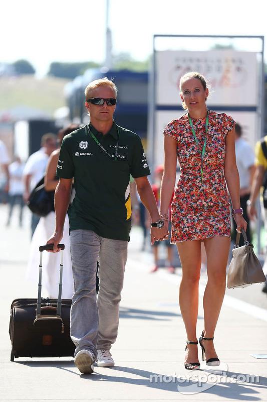 (Da esquerda para direita): Heikki Kovalainen, piloto reserva da Caterham F1 Team, com sua namorada Catherine Hyde