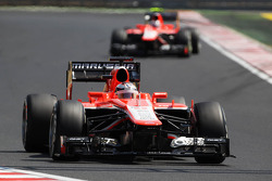 Jules Bianchi, Marussia F1 Team MR02 y Max Chilton, Marussia F1 Team MR02