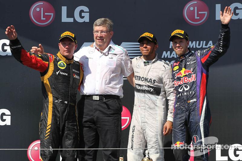 1e plaats Lewis Hamilton, Mercedes AMG F1 W04 met 2e plaats Kimi Raikkonen, Lotus F1 E21 en 3e plaat