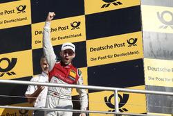 Чемпіонський подіум: чемпіон Рене Раст, Audi Sport Team Rosberg, Audi RS 5 DTM