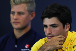 Marcus Ericsson, Sauber and Carlos Sainz Jr., Renault Sport F1 Team in the Press Conference