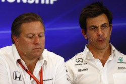 Toto Wolff, Executive Director Mercedes AMG F1, Zak Brown, Executive Director, McLaren Technology Group, in the Team Principals Press Conference