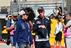 Sergio Perez, Sahara Force India and Brendon Hartley, Scuderia Toro Rosso on the drivers parade